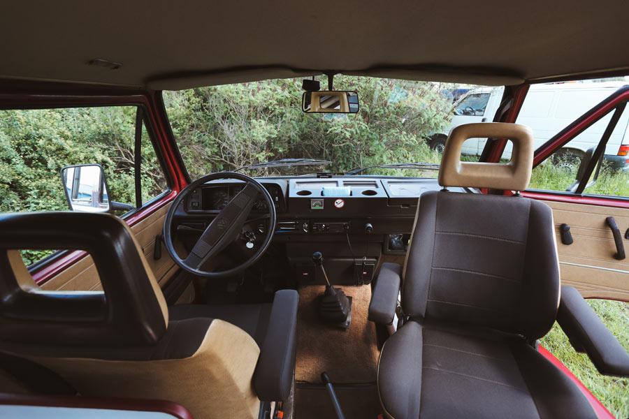 seat campingbus campingbus vw california mieten busse. Black Bedroom Furniture Sets. Home Design Ideas