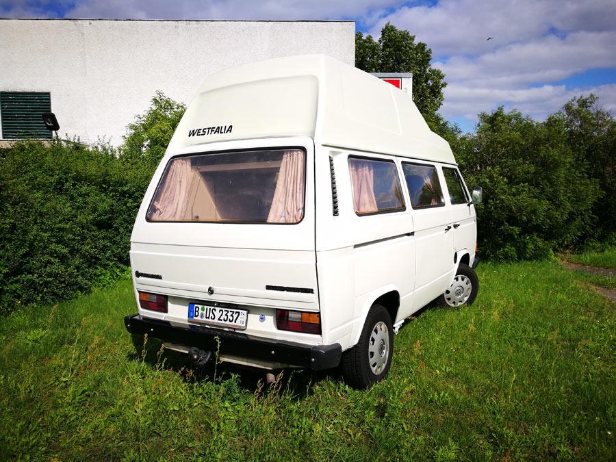 BulliHoliday Campingmobil mieten Lissy - Heckansicht