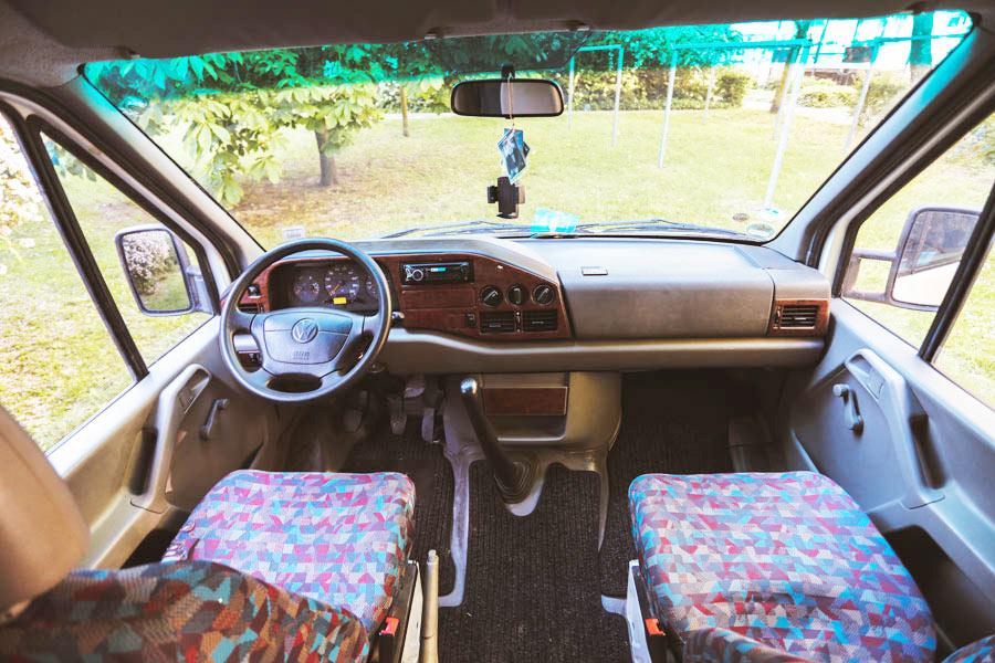 BulliHoliday Reisemobil mieten LT Max - Fahrerkabine