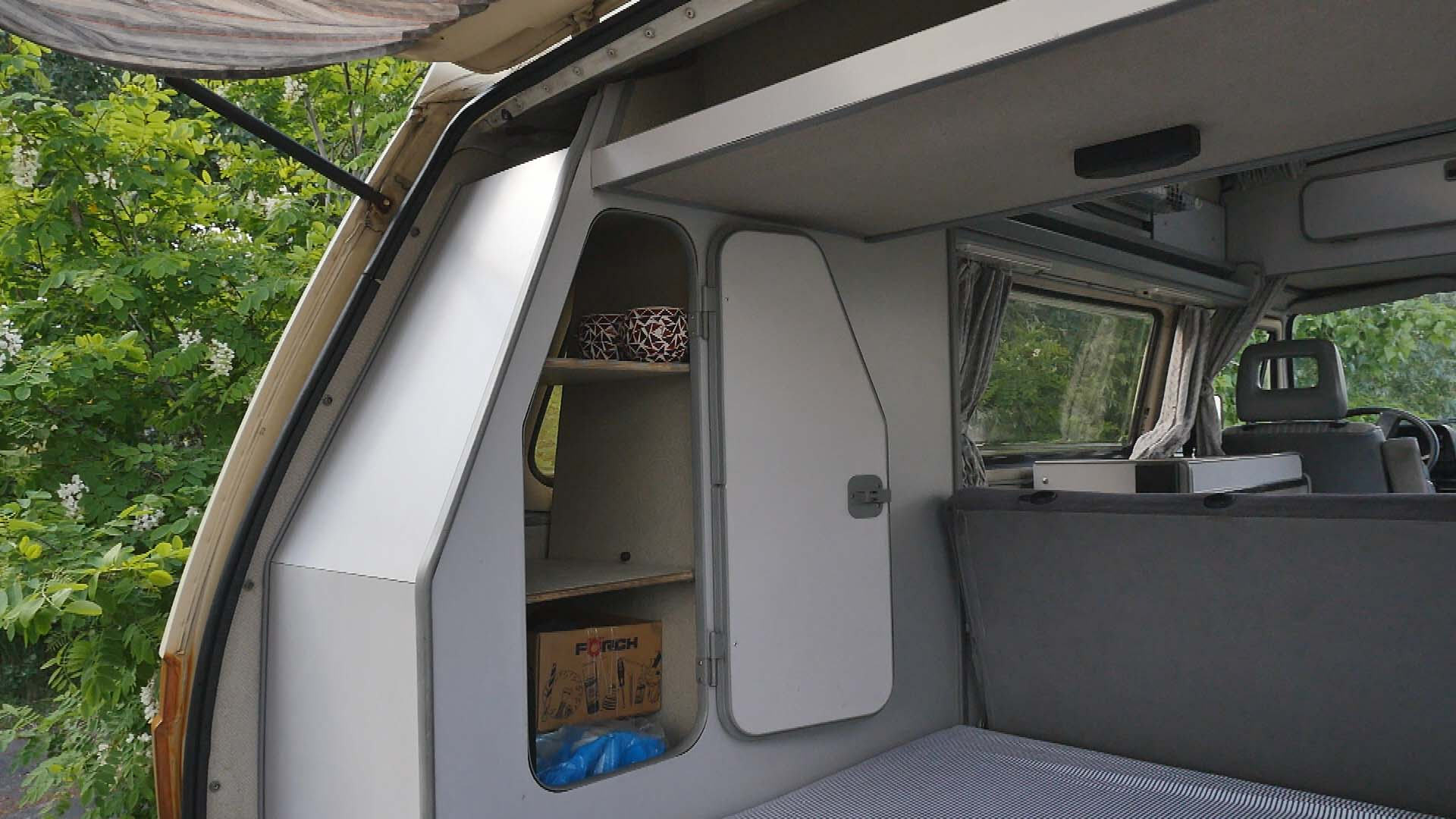 BulliHoliday VW Bulli mieten Kuno - Fahrerkabine