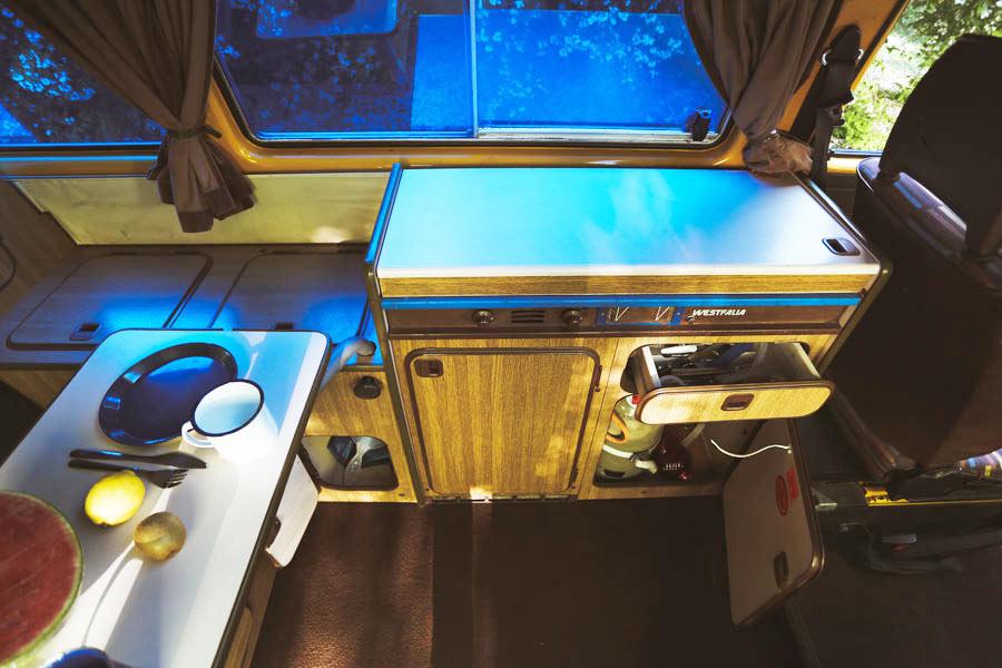 BulliHoliday VW Bus mieten Blumo - Küche