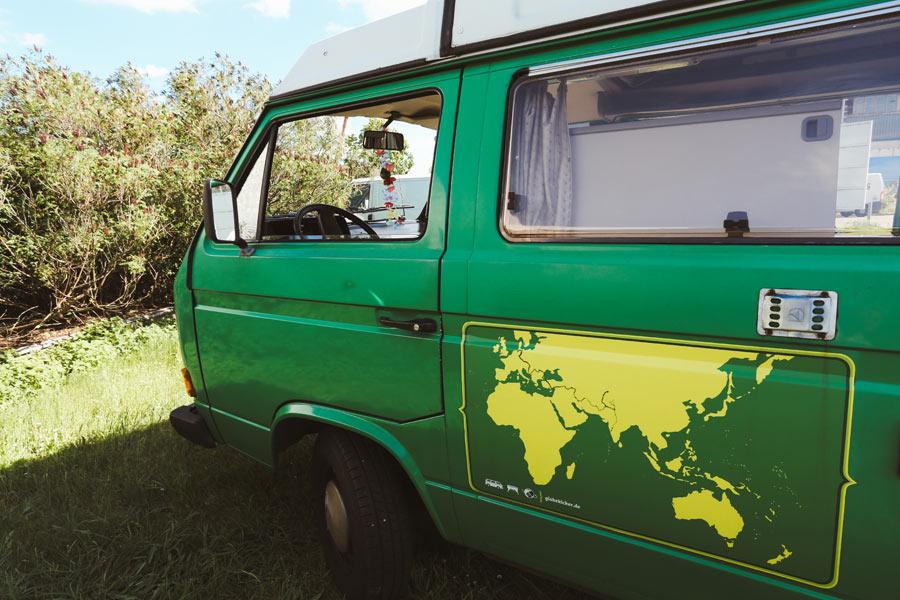 BulliHoliday VW Camper mieten Perle - Detailaufnahme Außen 1