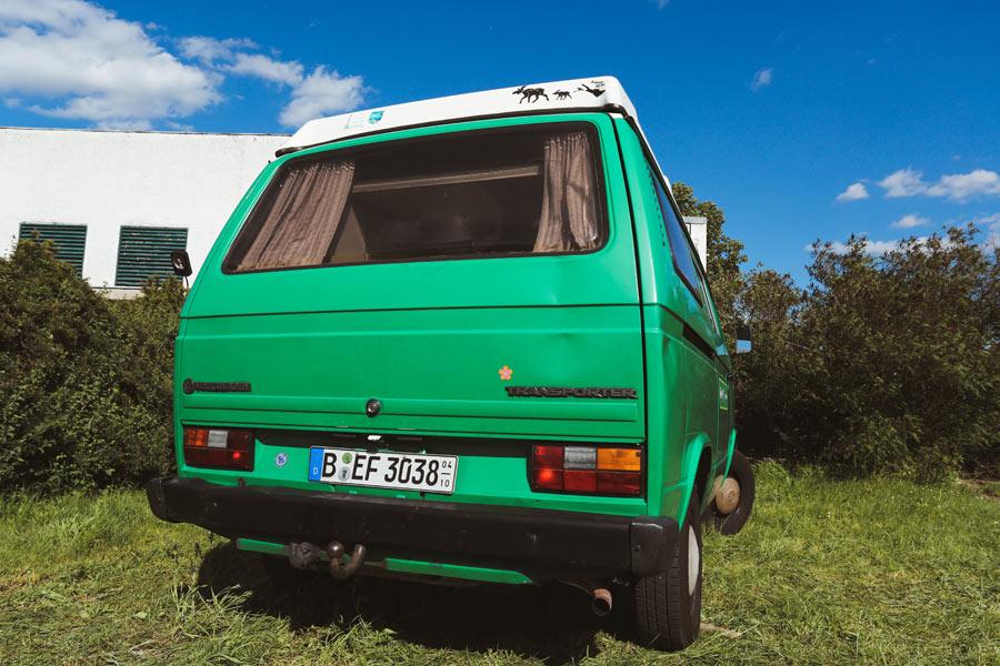 BulliHoliday VW Camper mieten Perle - Heckansicht