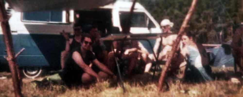 Mit Freunden zum Surfen<br>im Campingbus von BulliHoliday